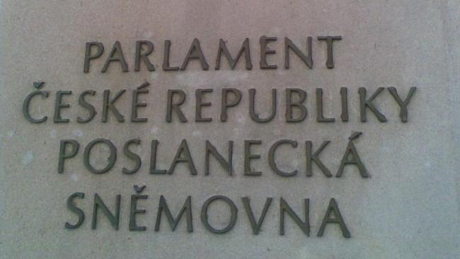 Sněmovnou procházejí klíčové reformní zákony