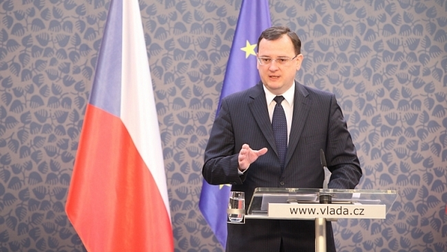 Vláda pozastavuje ratifikaci dohody ACTA