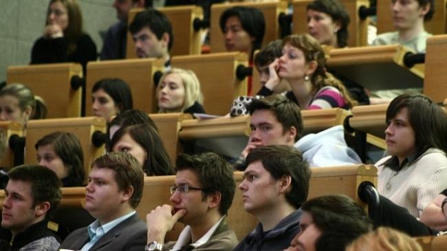 O podobě vysokého školství by neměly rozhodovat momentální vášně