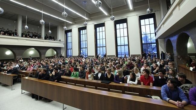 Vládní koalice je svými návrhy proti fakultám vysokých škol