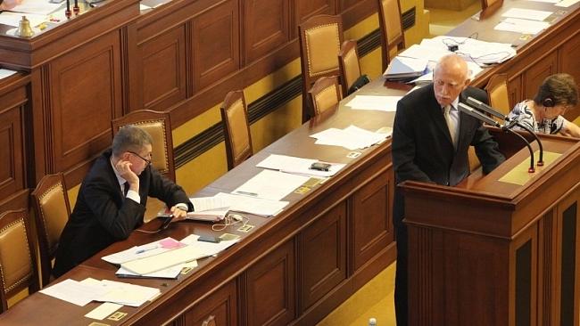 Interpelace na ministra dopravy ve věci stavby rych. sil. R3 na st. hranici a Rakouskem