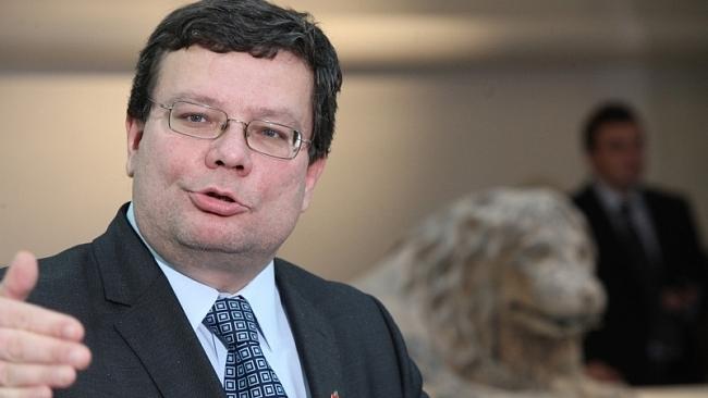 Premiér Sobotka je Babišův fíkový list