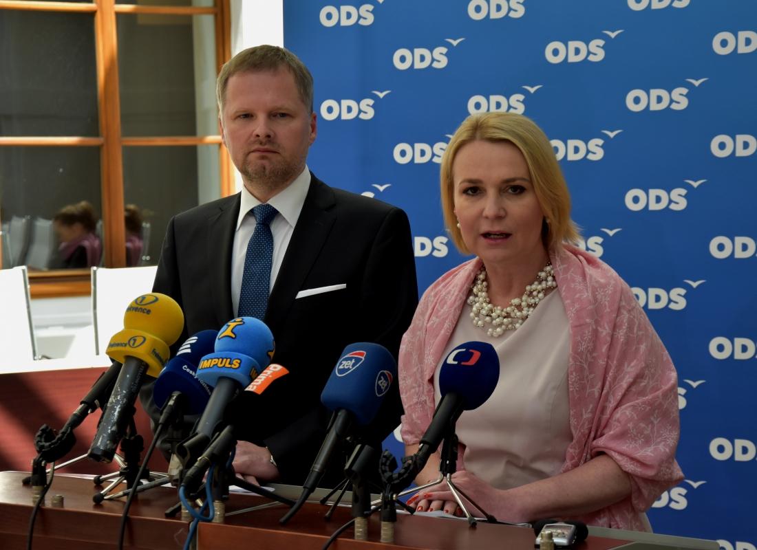 Obhajoba práv legálních střelců je ministrovi vnitra Chovancovi lhostejná
