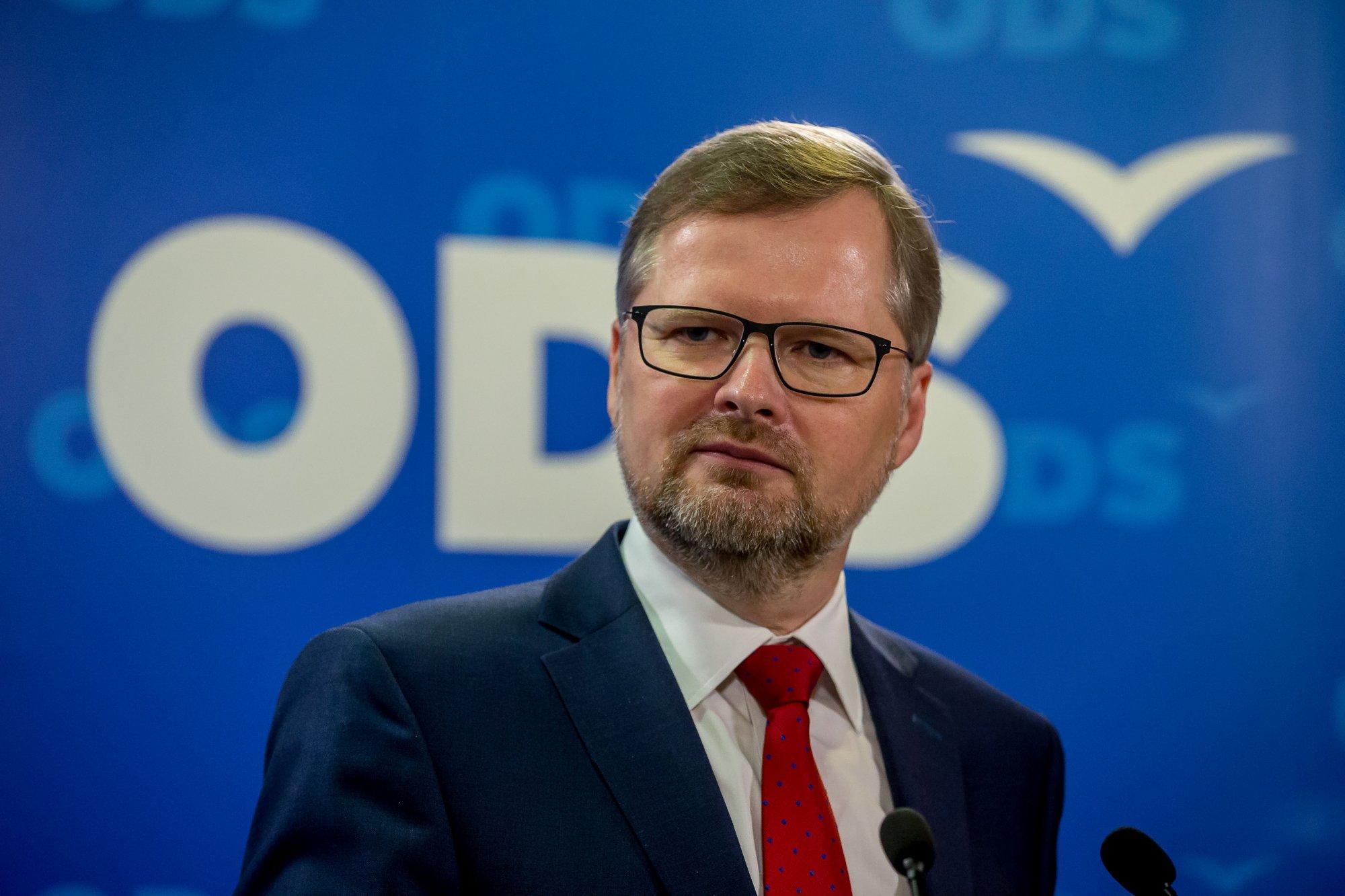 Petr Fiala: Zeman uráží občany. Nechápe, že na náměstích proti němu demonstrovali demokraté