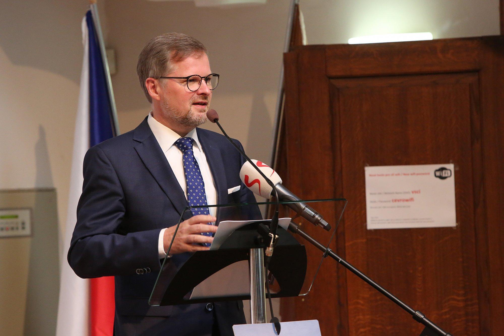 Petr Fiala: Program vládní koalice je plytký. Slibuje všechno všem, připomíná sběrné suroviny