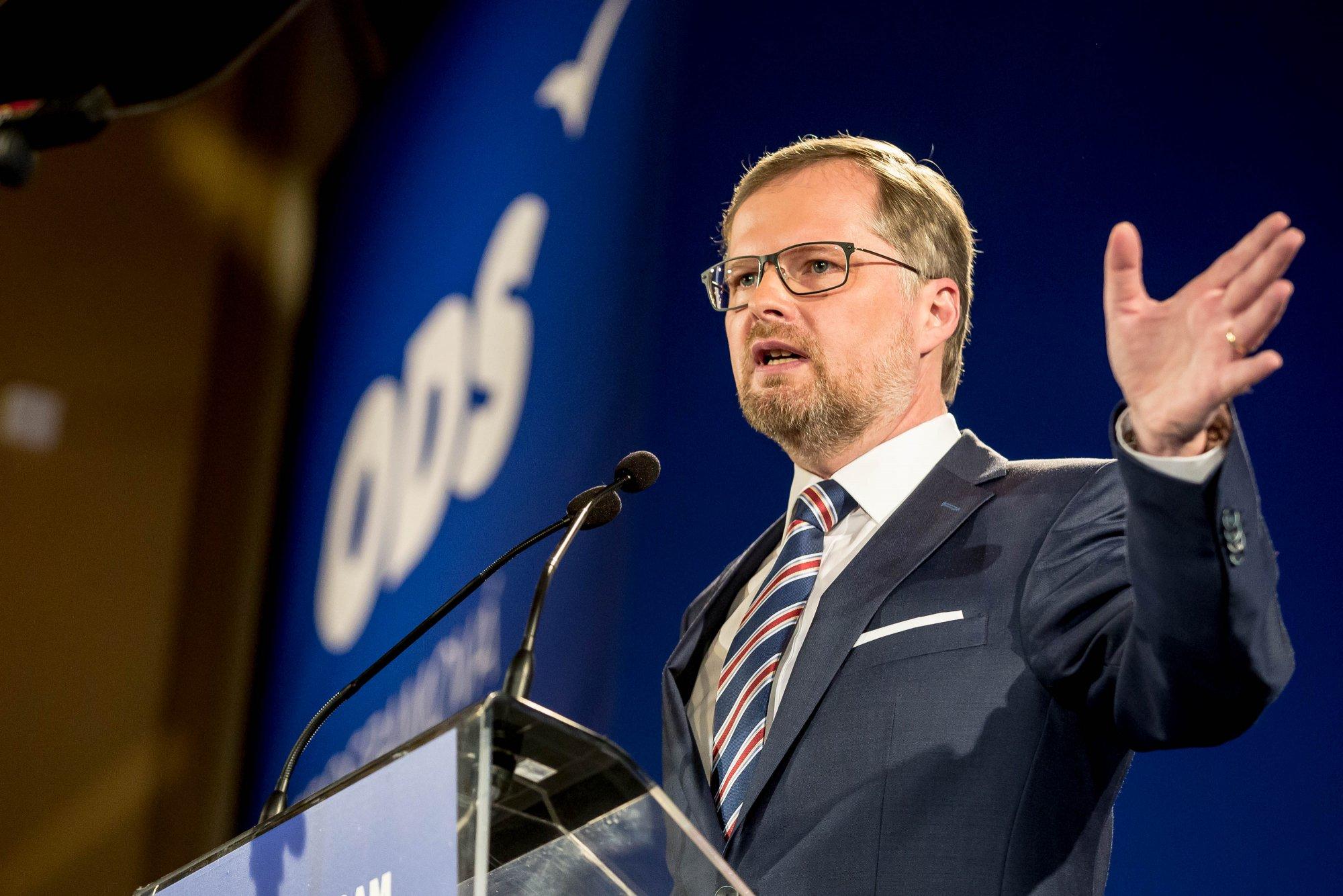 Petr Fiala: Debata o zvýšení platů zastiňuje neexistenci jakékoli vize