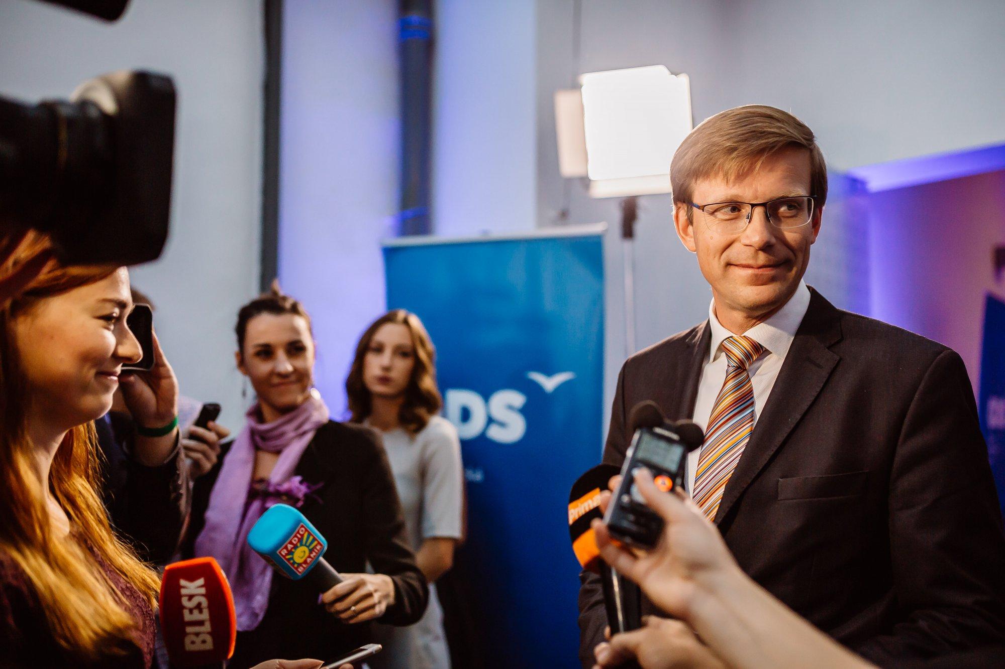 ČRo Plus: Pokud chce ČSSD dál páchat sebevraždu, je na správné cestě