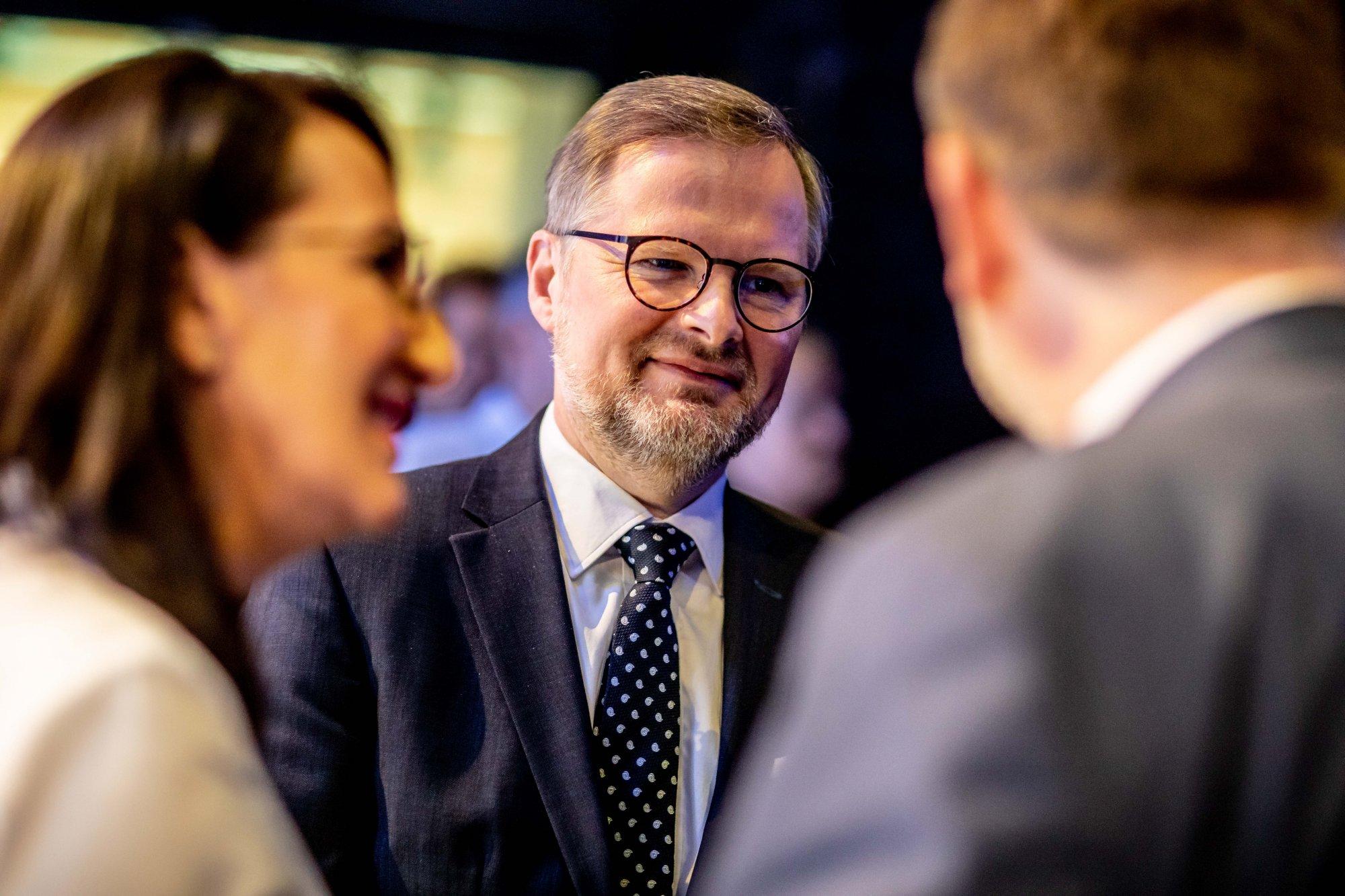Petr Fiala: Vláda předvádí festival marketingu