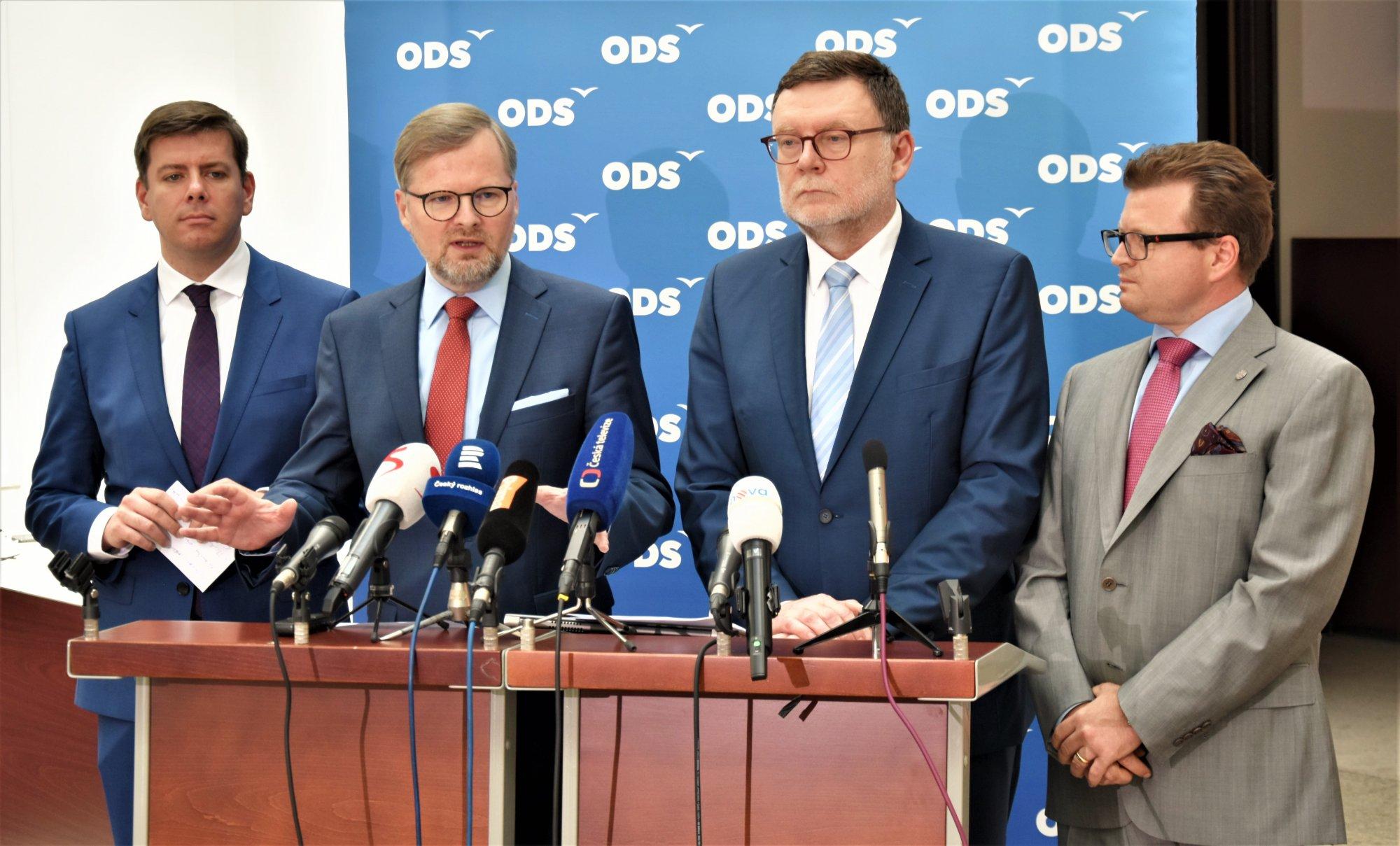 ODS: Vláda zvyšováním daní látá díry v rozpočtu