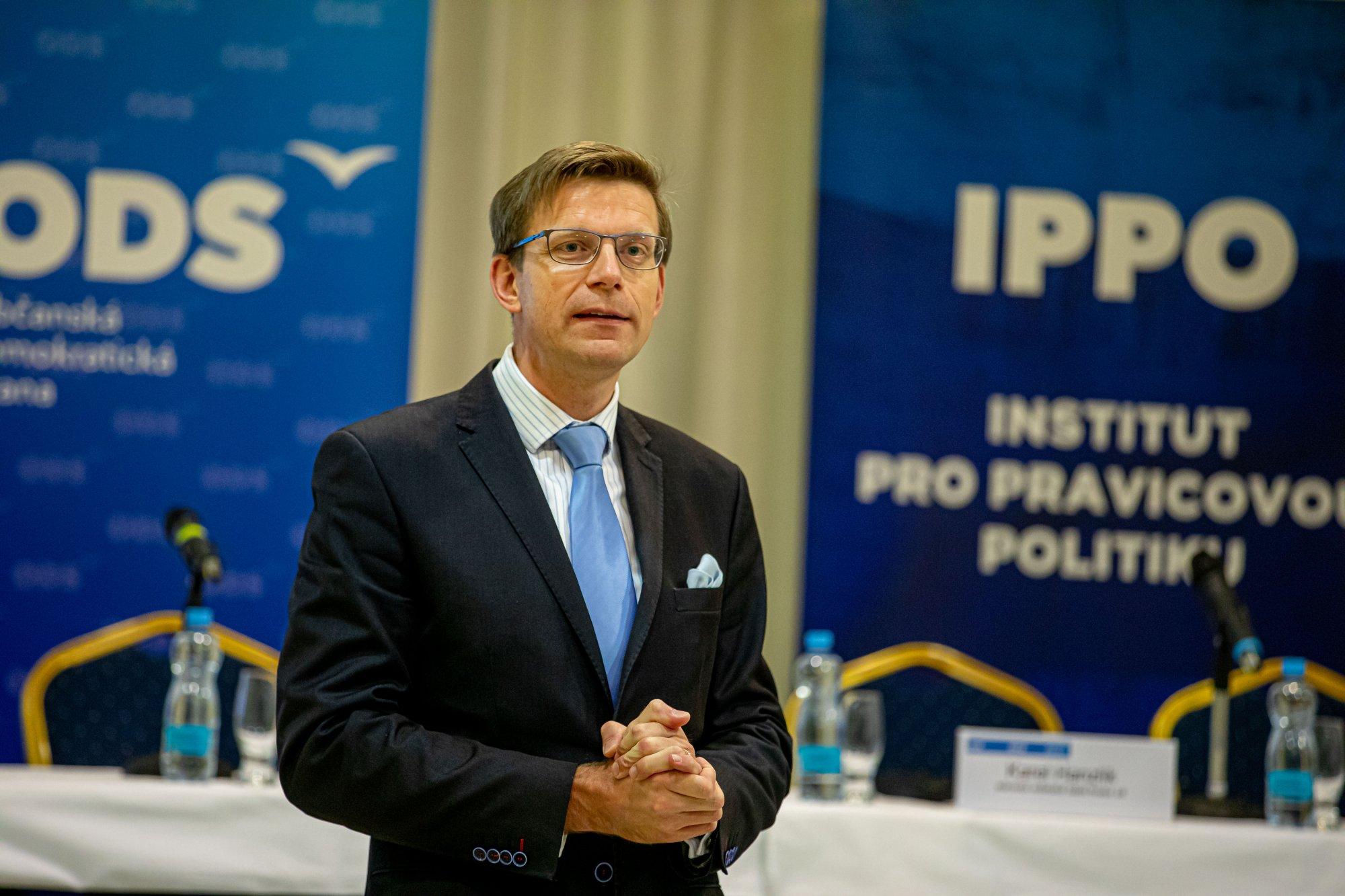 Ministr Havlíček si přisvojil úspěch ODS, na ministerstvu žádný vlastní nemá