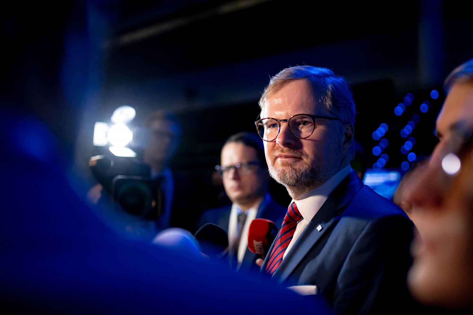 Petr Fiala obhájil funkci předsedy