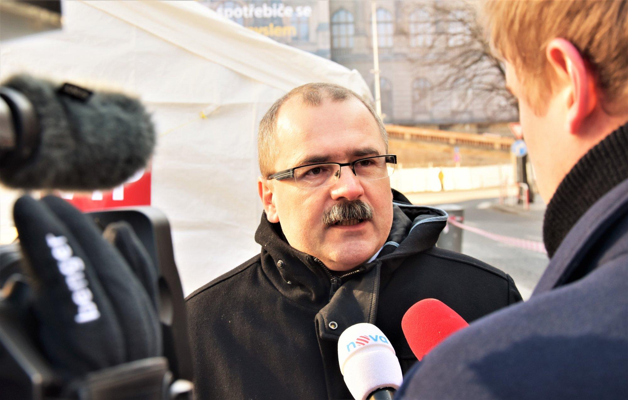 Písemná interpelace na ministra vnitra ve věci možného politického ovlivňování orgánů činných v trestním řízení vedeném proti managementu ÚSTR