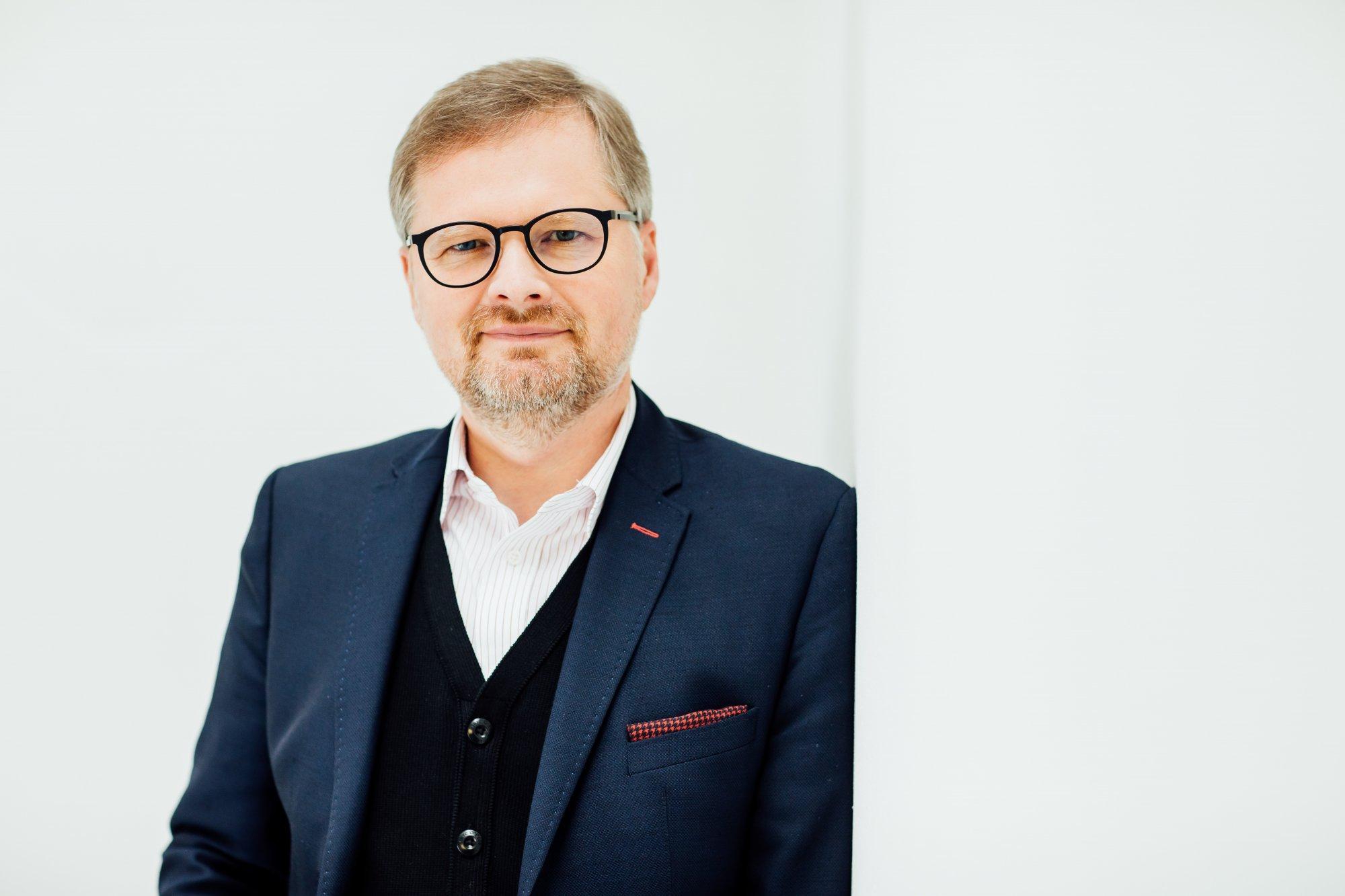 Petr Fiala: Press klub Frekvence 1: Pokud mi lidé něco vyčítají, tak to, že jsem na politiku moc kompetentní
