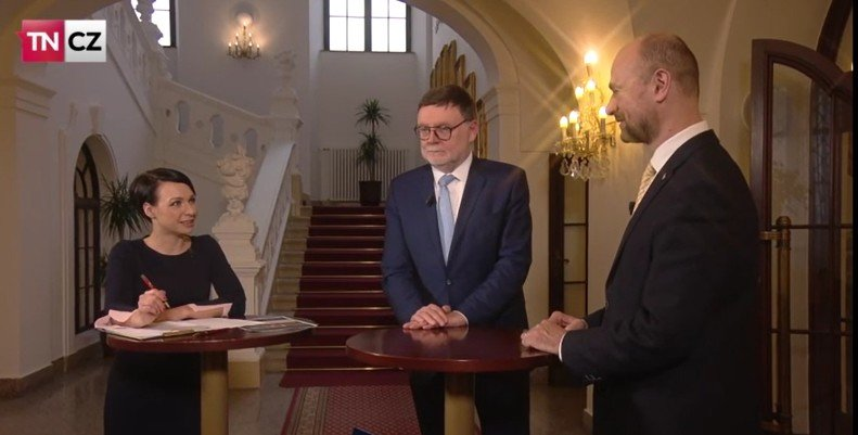 Napřímo TN.cz: Zmatky okolo DPH na pivo a chaos na ministerstvu dopravy