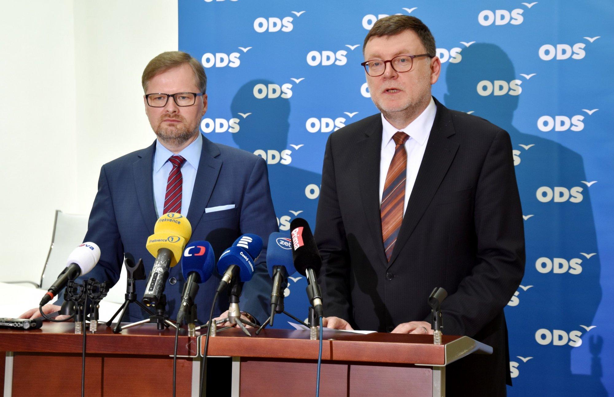 Navrhujeme zřízení parlamentní komise pro hodnocení účinnosti vládní pomoci