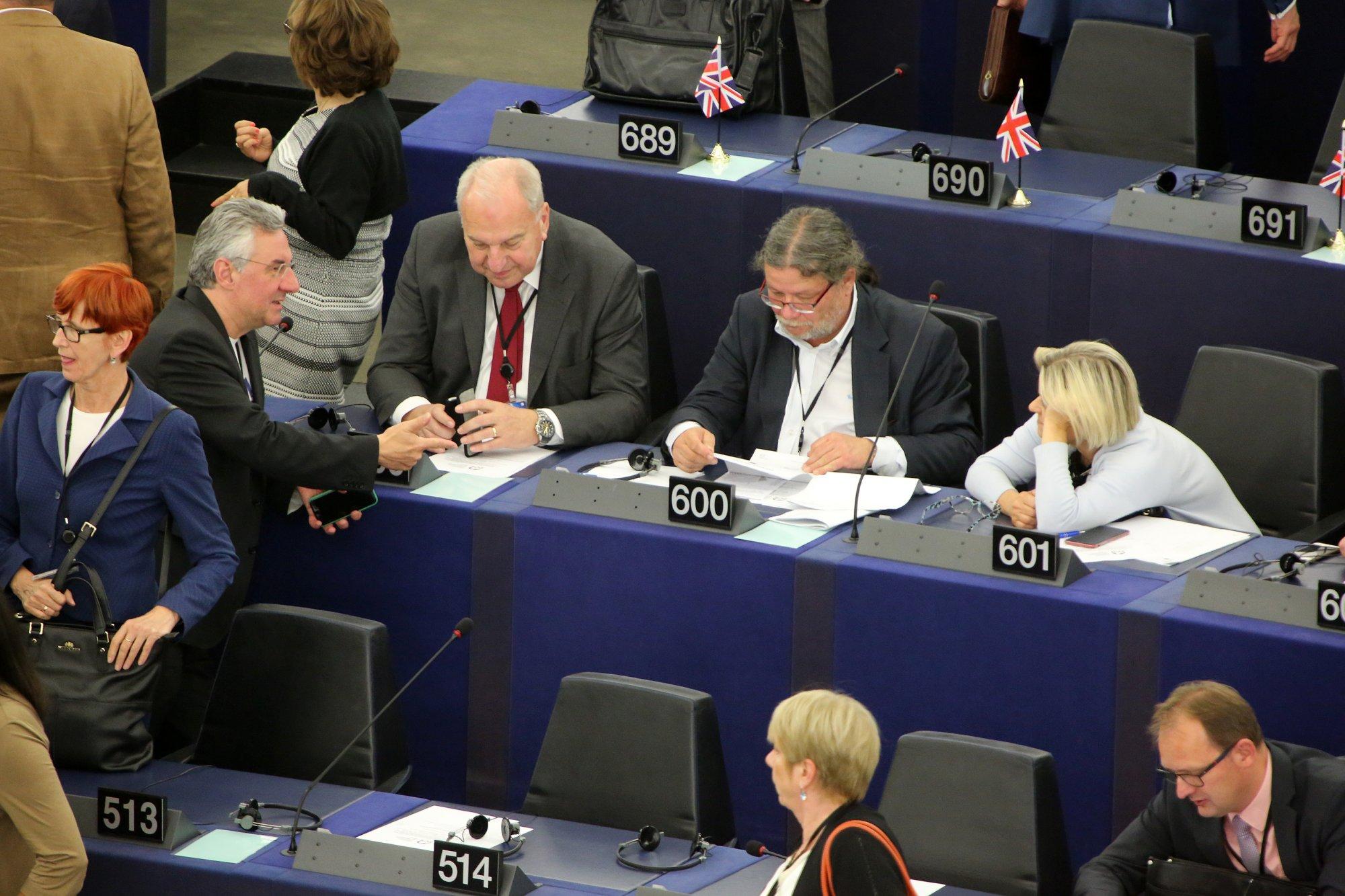 Europoslanci ODS: Klimatické cíle stanovené Evropským parlamentem jsou nerealistické a budou mít zásadní dopady na občany