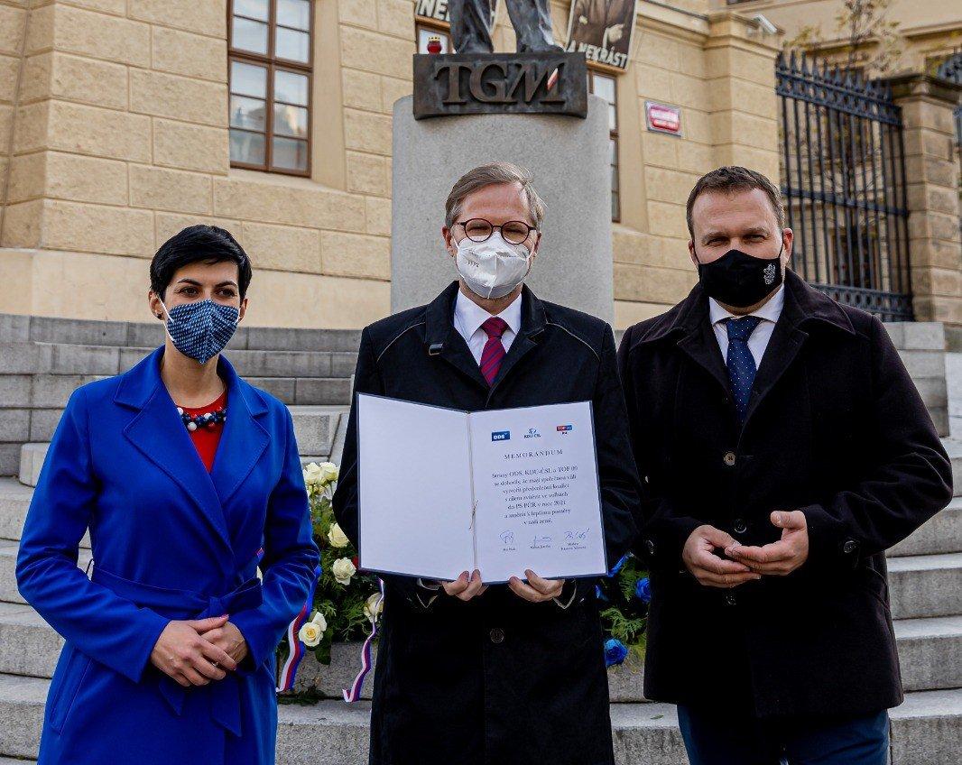 ODS, KDU-ČSL a TOP 09 podepsaly memorandum o spolupráci