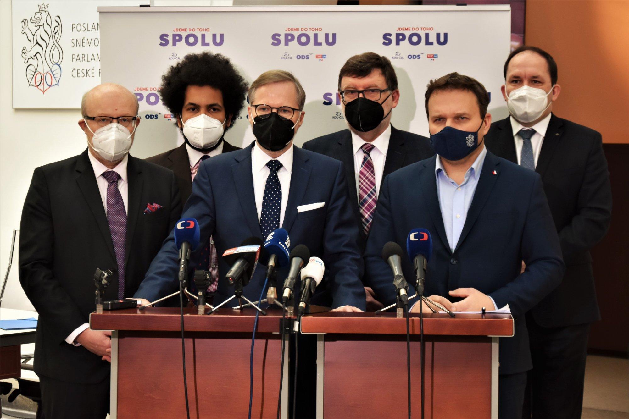 SPOLU: Prosadili jsme naše požadavky, pandemický zákon umožní náhrady škod
