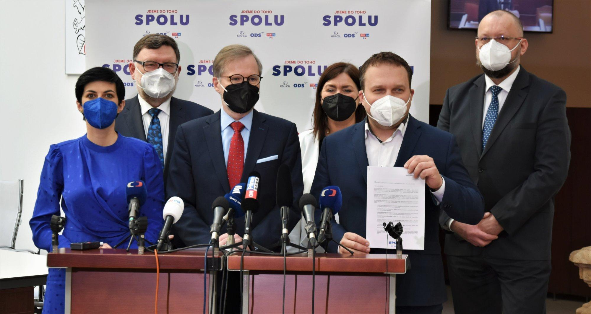 SPOLU: Nechceme asistovat u podezřelých vládních nákupů a zakrývat vládní neschopnost. Prodloužení nouzového stavu nepodpoříme