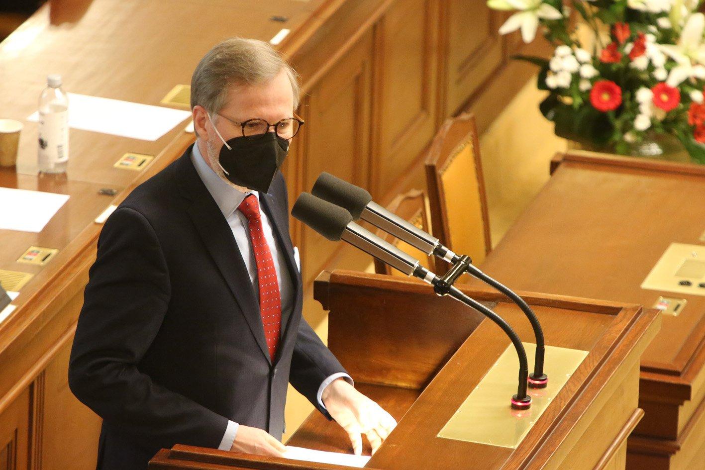 Petr Fiala: Sputnik je nástroj politického boje. A v Česku už nezáleží, kdo a proč je ministr