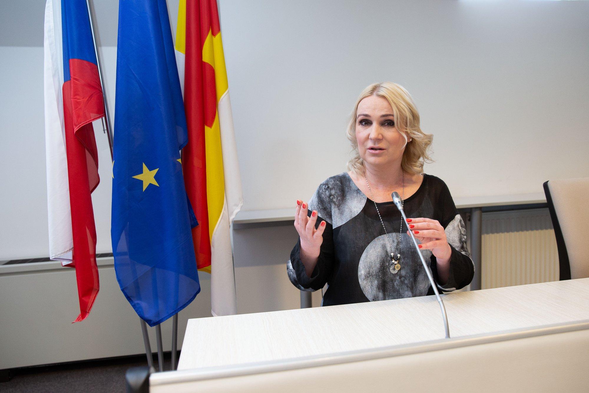 Je dobře, že se ČR nenechala zastrašit a vyhoštění ruských diplomatů probíhá podle plánu
