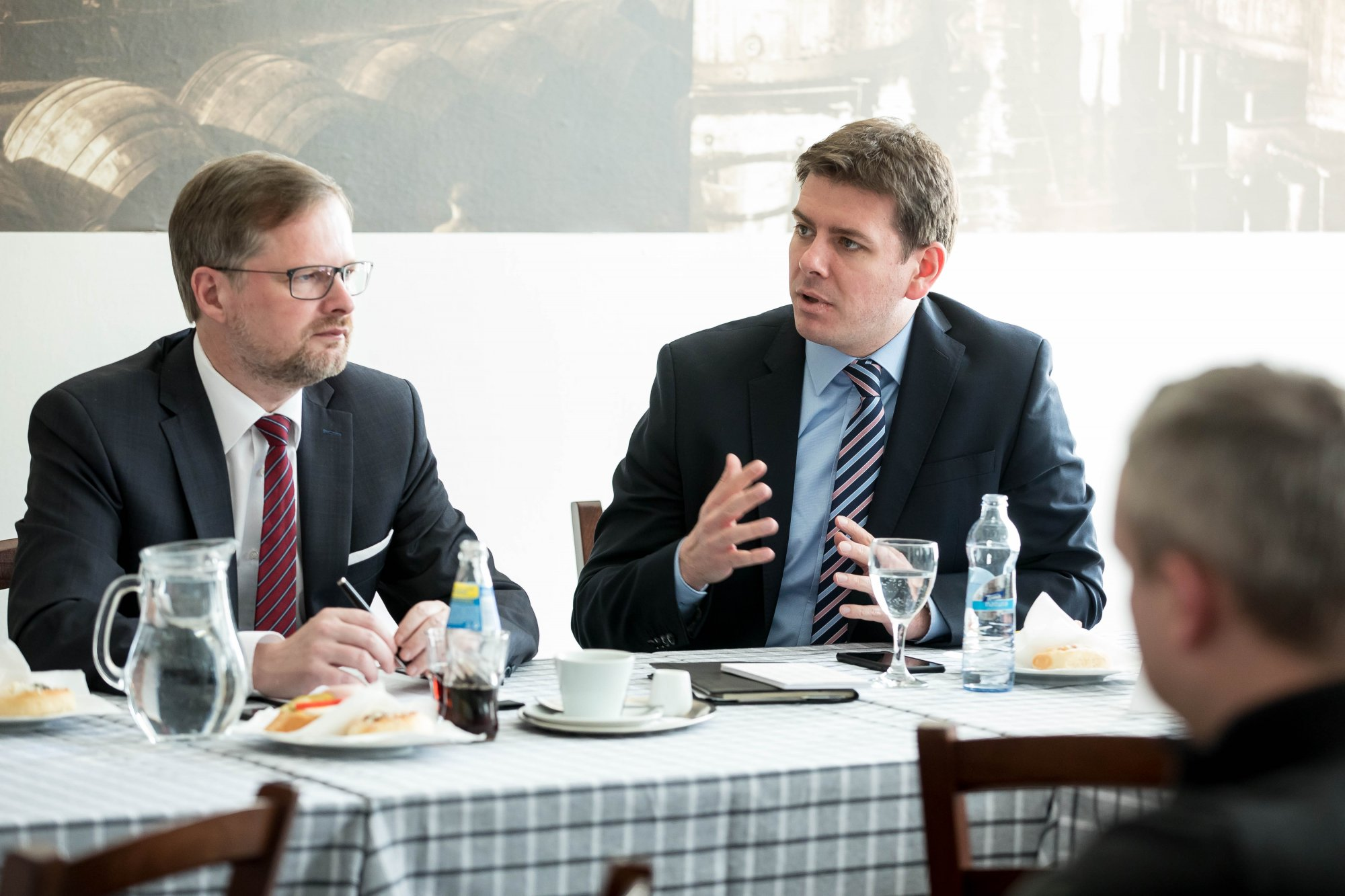 ČRo Plus: Naplánovaný schodek rozpočtu se nám musí podařit srazit, a to i za cenu rozpočtového provizoria